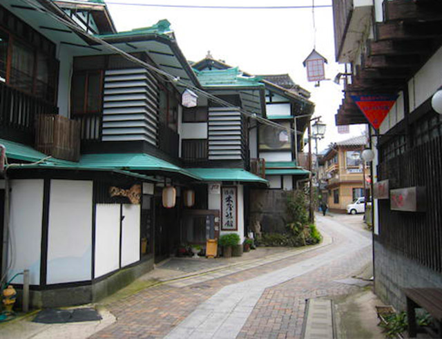 Kiya Ryokan: Wooden architecture inn listed as tangible cultural property by Japanese government (Taisho period)