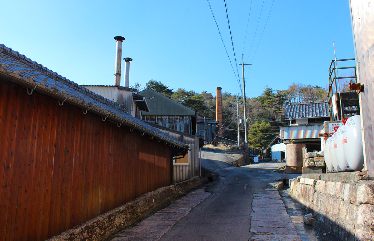 Six Ancient Kilns: Japanese Ceramics Born and Raised in Japan